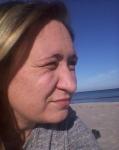 Foto: Ich am Strand mit Blick aufs Meer