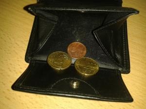 Foto: Geldbörse, in der 42 Cent liegen